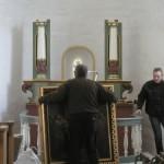 Opstilling af alter og altertavle