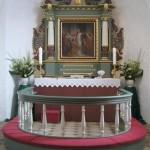 Sædder Kirkes kor og altertavle fra 1640 færdigrenoveret 2007